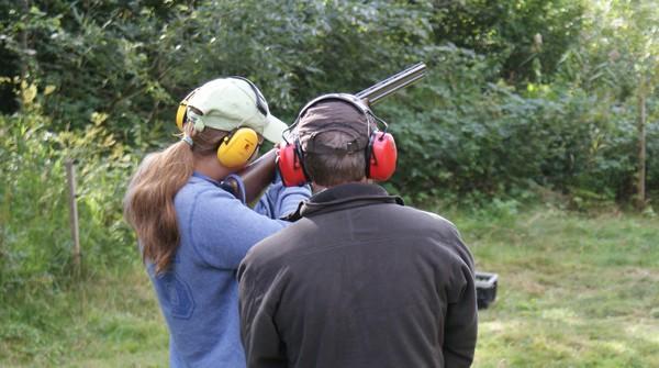 Tager du jagttegn hos Jagtguiderne, kommer du selvfølgelig også på skydebane